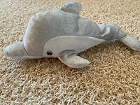 Delfin Kuscheltier - mit Öse zum anhängen - in weiß/grau Delphin