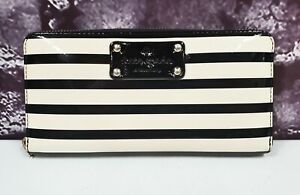 Kate Spade Black & White Striped Patent Leather Zip Around Wallet *read*