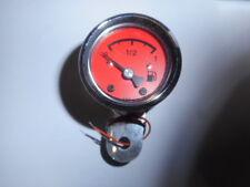 MMB Tankanzeige 48 mm Körper in Chrom Schwarze Endkappe Rotes Ziffernblatt