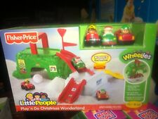 New LITTLE PEOPLE Wheelies Play 'n Go Christmas Wonderland Santa Take Along