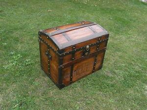 antique TRUNK TRAVEL LUGGAGE BLANKET BOX Storage STAND retro vintage
