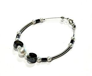 Bijou bracelet sur câble pierre Hématite et perles fantaisies bangle