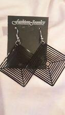 Dangle earrings. New Black Lightweight square
