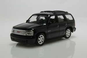 2001 GMC Yukon Denali SUV (Tahoe), 1:64 Scale Diecast Model (Black)