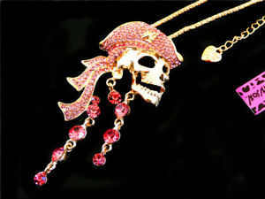 Hot Betsey Johnson Shiny Pink Crystal Skull Pirates Sweater Chain Necklace
