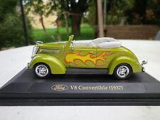 ROAD SIGNATURE pour FABBRI FORD V8 Convertible 1937 comme neuf sur socle.