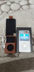 Apple ipod classic 80gb,in silver, excellent condition. MB029ZO/A.  2005.