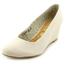 Zapatos de tacón de mujer de tacón medio (2,5-7,5 cm) de color principal crema de lona