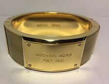 MICHAEL KORS Bangle BRACELET $165 Heritage HORN Logo Plaque WIDE Hinge NEW GOLD