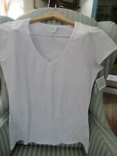 "NWT FRESH PRODUCE ""ME"" INSPIRED V-NECK TEE IN WHITE(L)"