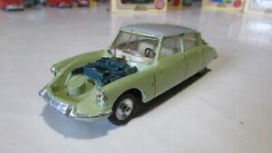 Citroën DS19 modèle 1963 Dinky Toys n° 530,made in France, entièrement d'origine