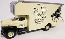 First Gear 1957 International R-200 Shulz movers Chicago Straight Truck 1:34