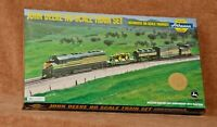 Athearn John Deere HO Train Set With Two 4010 Tractors 4th in Series MIB/NIB