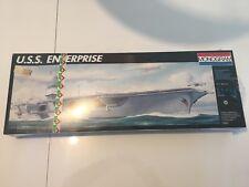 Monogram in 1/400 Scale of The USS Enterprise Kit 75001 Neuf sous blister