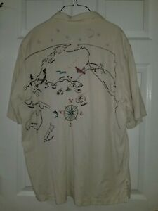 Travel Smith Men's button up short sleeve shirt Size L Embroidered map