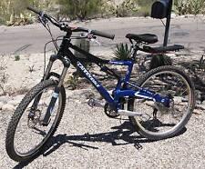 Cannondale PROPHET Mountain BIKE Mens Medium 27 gears 2006 BLUE bicycle sport