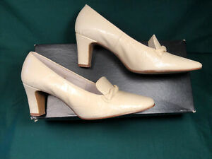 1960's Air Step Heels- Size 6 1/2 B- Good Condition!