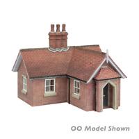 Graham Farish 42-0078 N Gauge Crossing Keepers Cottage