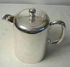 Plaqué Argent Hotel Ware coffee pot par Chatterley.
