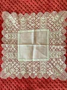 French Antique Handkerchief  - MIRECOURT lace edging on fine linon 24cm square