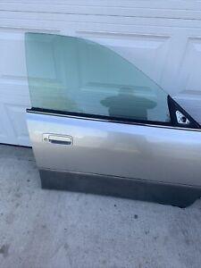 1997-2001 LEXUS ES300 FRONT Passanger Right SIDE DOOR With Window Used