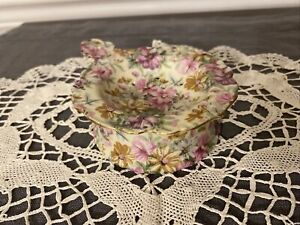 Antique Floral Chintz Porcelain Tea Strainer And Holder Yellow Pink Daisies