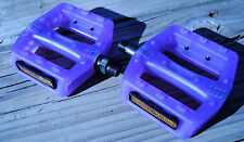 Color Changing Light Sensitive Bicycle Bike Pedals, Change from White to Purple
