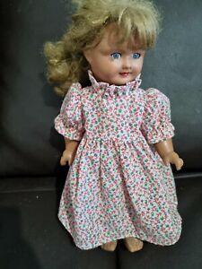 Ancienne poupée en composition taille 29 cm