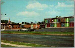 Anderson, South Carolina Postcard HOLIDAY INN MOTEL Highway 76 Roadside c1960s