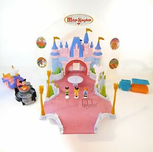 DISNEY PARKS Keys to the Magic Kingdom Playset Hasbro castle Mickey 99% complete