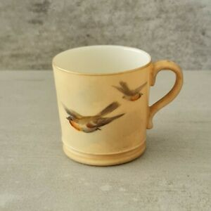 Antique Royal Worcester Miniature Mug Birds flying Tiny 4.5cm 1906 - Haircrack