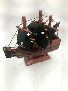 "Pirate Ship Miniature Wood Collectible House Decor 4"" Ship"