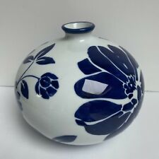 TARGET HOME CERAMIC WHITE VASE WITH BLUE FLOWERS 2010 NEW