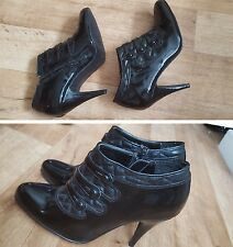 LADIES ANKLE BOOTS,UK 6,ZIP UP,WET LOOK,NEW LOOK,(BARELY USED)w/o box