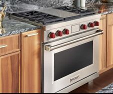 """Wolf Df364G 36"""" Dual Fuel Range - 4 Burners and Infrared Griddle"""