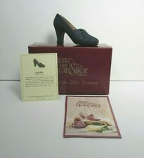 Just The Right Shoe Lady Like 1999 by Raine Willitts Designs w/Box and Coa