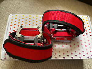 FIXIE/SINGLE SPEED/UNIVERSAL CNC PEDALS-RED-TOE STRAPS