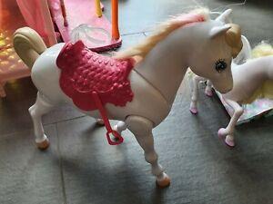 Barbie TRAUMPFERD PFERD Puppe laufendes Pferd