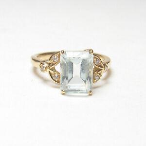 Estate 18K Yellow Gold 2.10 Ct Natural Light Blue Aquamarine And Diamond Ring