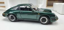 1/18 Minichamps Porsche 911 Carrera 1983 Green