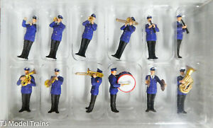 Preiser HO #10600 Working People -- German Band Playing (Hand Painted Figures)