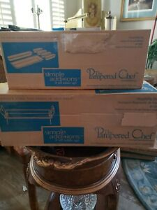 Pampered Chef Simple Additions Hospitality Set  6 White Trays & The Metal Stand