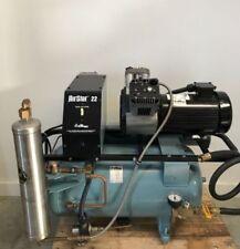 Compresor de aire para uso odontológico con aceite