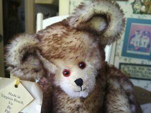 OOAK Artist Teddy bear by Pat Hurley of Bears by Pat, Virginia Beach VA 14in EUC