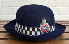 SOUTH WALES POLICE FEMALE BOBBY OFFICER BOWLER HAT HELMET & OBSOLETE PLATE BADGE