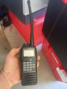 Icom IC-A24 handheld aviation radio transceiver excellent