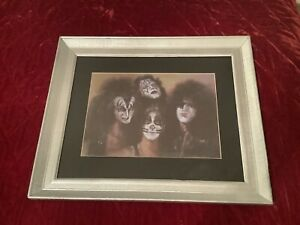 """Framed 23.5"""" X 19.5"""" Kiss Portrait Art Canvas / Print Sign by Haiyan 06/2001 N.Y"""