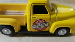 Ford F-100 1/48 O Scale Light Up Truck