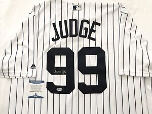 NEW YORK YANKEES AARON JUDGE signed COOL BASE MAJESTIC PINSTRIPE JERSEY BECKETT