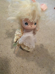 Precious Moments Vtg Home Is Where The Heart Is Doll Music Box Jessy Gardener